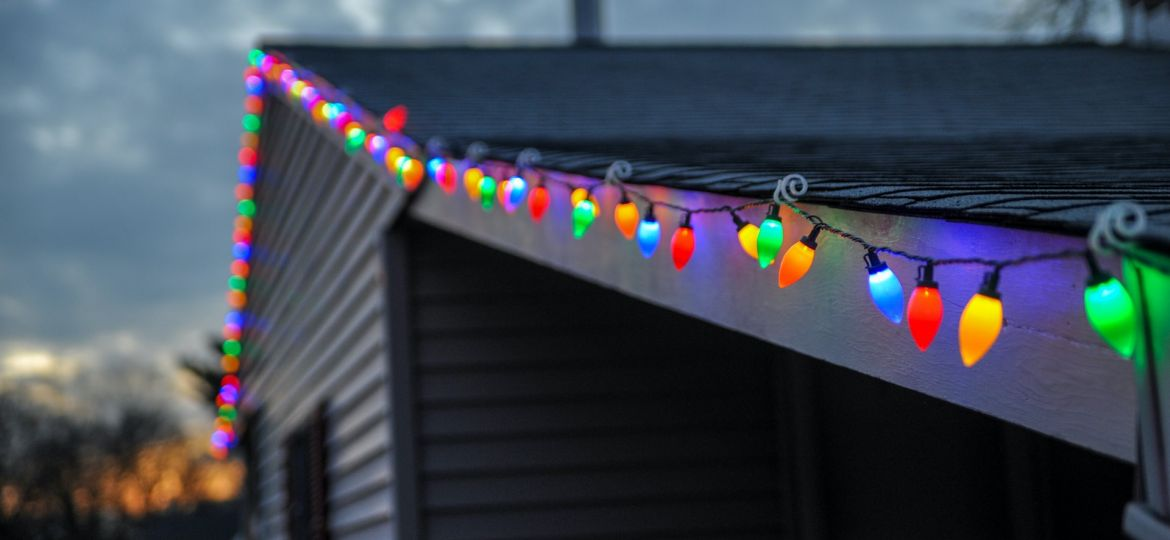 Christmas Decorations Roofing Tips